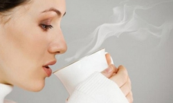 Thói quen uống nước ấm lúc dạ dày rỗng vào mỗi buổi sáng đem đến điều gì?