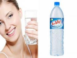 Uống nước đúng cách - những thói quen uống nước gây hại sức khỏe
