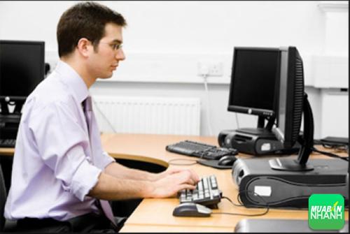 Giảm mệt mỏi khi ngồi máy tính bằng vài động tác đơn giản
