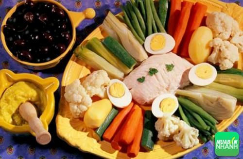Phòng chống bệnh mạch vành bằng cách duy trì một chế độ ăn uống lành mạnh.
