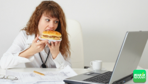 7 Thói quen ăn uống xấu của dân văn phòng ảnh hưởng đến sức khỏe, 200, Phương Thảo, Cẩm Nang Sức Khỏe, 06/10/2016 09:26:46
