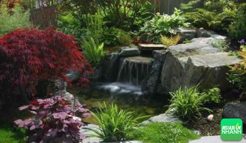 5 giác quan có sự liên hệ mật thiết với nhau, do đó ngửi hương thơm của hoa sen trong khi nghe âm thanh của nước chảy sẽ tăng cường hiệu ứng cộng hưởng này