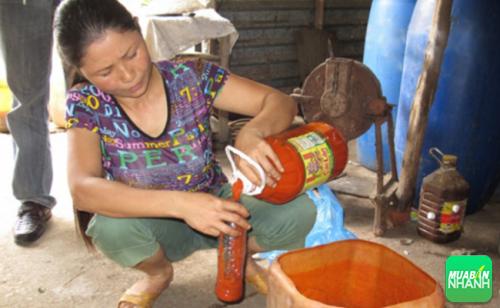 Thành phần trong tương ớt chúng ta ăn hàng ngày có 60% là nước lã