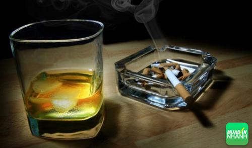 Hút thuốc và sử dụng chất kích thích