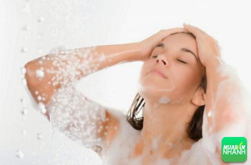 Tắm giúp giải nhiệt và thư giãn cơ thể