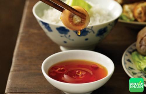 Nước mắm từ lâu đã trở thành loại nước chấm không thể thiếu trong bữa ăn Việt