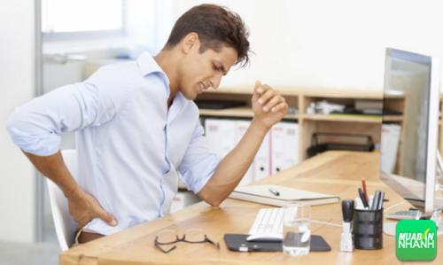 Công việc ngồi nhiều hằng ngày sẽ dần xói mòn sức khỏe của bạn.