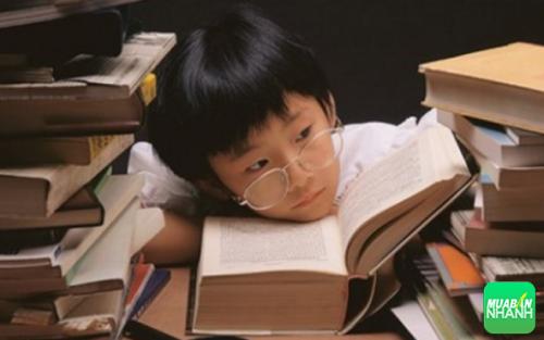 Cận thị gây cản trở những hoạt động trong học tập và cuộc sống ở trẻ em.