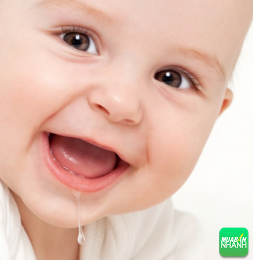 Chảy nước dãi khi bé mọc răng