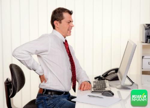 Đau lưng là căn bệnh phổ biến nhất với đối tượng văn phòng.