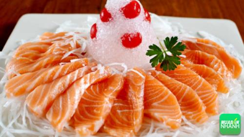 Chỉ 85 gam cá hồi có thể chứa đến 450 IU vitamin D cho cơ thể.