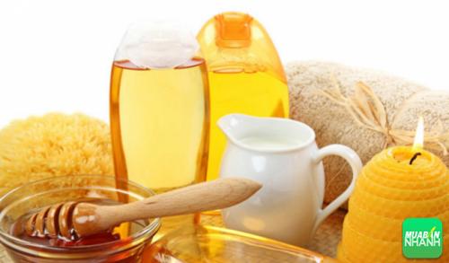 Mật ong hoặc sữa ong chúa: