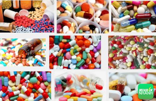 Bệnh nhân dùng thuốc kháng virus để loại bỏ virus từ trong cơ thể ra ngoài.
