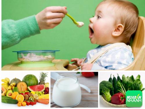 Xây dựng cho trẻ một chế độ dinh dưỡng hợp lý để cải thiện sức khỏe.
