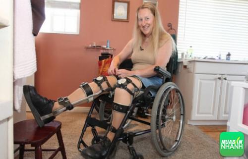 tự làm mình bị thương để có thể ngồi xe lăn cả đời