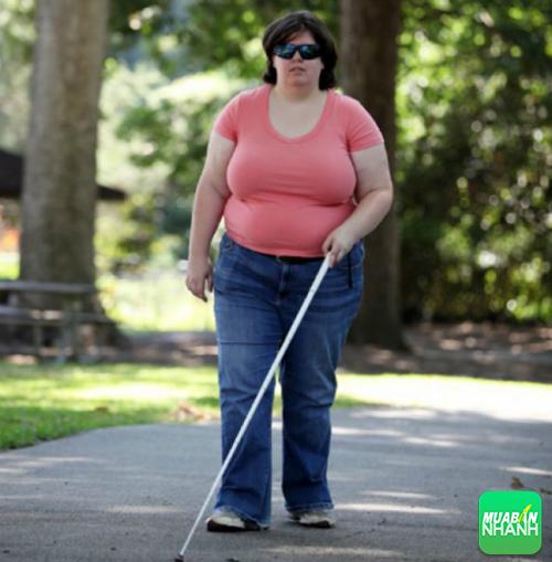 Hiện tại cuộc sống của cô gái gặp phải những khó khăn của người mù.
