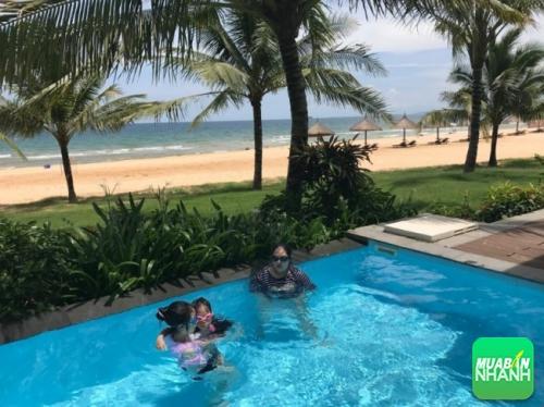 Thời tiết nóng bức nhu cầu giải trí, giải nhiệt và đi bơi của trẻ trở nên cần thiết.
