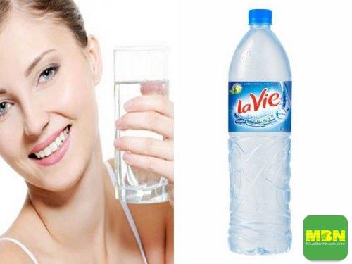 Uống nước đúng cách - những thói quen uống nước gây hại sức khỏe, 559, Mãnh Nhi, Cẩm Nang Sức Khỏe, 07/06/2018 15:42:39
